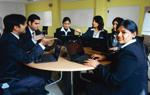 Private b schools offer real world mentors livemint for Soil gurgaon