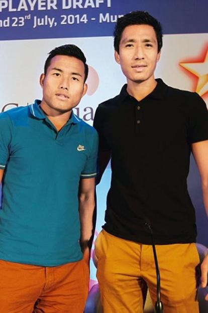 Jeje Lalpekhlua (left) and Gouramangi Singh at the players draft of the Hero Indian Super League in Mumbai in 2014. Photo: Hindustan Times.