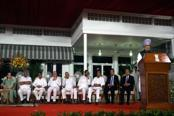 PM, Sonia strike a defiant note, commit to serving a full term