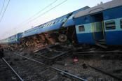Derailed coaches of Vasco Da Gama-Patna Express train near Manikpur railway station in Manikpur, Uttar Pradesh, on Friday. Photo: PTI