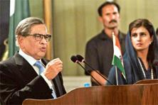 Staying engaged: Foreign minister S.M. Krishna with his Pakistani counterpart Hina Rabbani Khar address a joint press conference in Islamabad on Saturday. Photo: Subhav Shukla/PTI