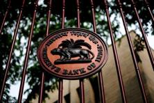 RBI norms do not allow a bank to have secured liability on its books. So, those banking aspirants who want to start business by transferring their assets and liabilities of existing business will need to seek a relaxation of the norm. Photo: Pradeep Gaur/Mint