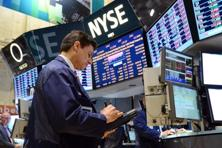 The Dow Jones fell 53.49 points to 15,604.87, the S&P 500 lost 3.4 points to 1,706.27 and the Nasdaq dropped 2.243 points to 3,687.345. Photo:/AFP