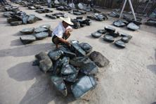 Jade production plunged to just 19.08 million kg in the 2012-13 fiscal year from 43.1 million kg the previous year. Photo: Reuters