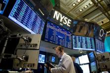 On Wall Street, the Dow Jones industrial average closed up 54.78 points, or 0.34%, to 16,064.77. The S&P 500 gained 8.91 points, or 0.5%, to 1,804.76, and the Nasdaq Composite added 22.495 points, or 0.57%, to 3,991.649/ Photo: AFP