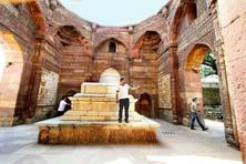 Iltutmish's tomb. Photographs by Priyanka Parashar/Mint