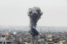 Hamas denied involvement in firing some of what Israel counted as eight rockets shot just as an earlier truce expired on Wednesday and accused the Jewish state of violating the new truce by launching air strikes. Photo: Reuters