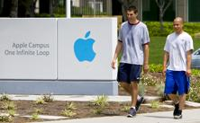Apple co-founder Steve Jobs, former Google CEO Eric Schmidt and others had agreed not to poach their prized engineers. Photo: Bloomberg