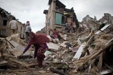 The magnitude 7.8 earthquake that struck Nepal last weekend was far from being the big one. Still, it reportedly killed more than four thousand people, and damaged large parts of Kathmandu. Photo: AFP