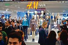 The country's first H&M store opened on 2 October at the Select Citywalk mall in Saket, New Delhi. Photo: Pradeep Gaur/Mint
