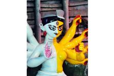 The Ardhanarishvara idol at Joy Mitra Street, Kolkata, which depicted both Shiva and Durga. Photographs: Indranil Bhoumik/Mint