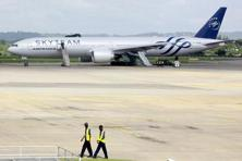 A view of an Air France Boeing 777 aircraft that made an emergency landing is pictured at Moi International Airport in Kenya's coastal city of Mombasa. Photo: Reuters