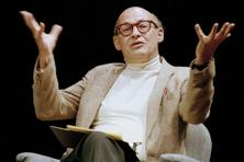 A file photo of Massachusetts Institute of Technology's Marvin Minsky speaking to the audience during a panel discussion at the Paramount Theater in Seattle. Photo: AP