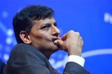 Twenty-six of 27 economists in a separate Bloomberg survey also predict that Raghuram Rajan will keep banks' CRR at 4% on Tuesday, compared with a call for a 50-basis point cut from Goldman Sachs economist Tushar Poddar. Photo: PTI