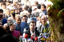 A file photo of Congress president Sonia Gandhi and vice-president Rahul Gandhi addressing reporters in New Delhi. Photo: Ramesh Pathania/Mint