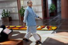 The year 2015 was when finance minister Arun Jaitley presented his first full budget and the benign external environment of that time had led to a potent mix of expectations akin to shock therapy. Photo: PTI