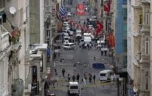 Emergency services at the scene of an explosion, on a street, in Istanbul, Turkey on 19 March 2016. Photo: AP