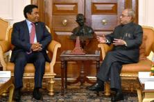 President Pranab Mukherjee (right) with Maldivian President Abdulla Yameen. Photo: PTI