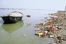 The government's plan is to remove flowers, coconuts, plastic bottles and bags, food packets, dead bodies (human and animal), algae, logs, bamboos, other wood material, water hyacinth, other aquatic plants and any other floating waste from the river in the five states it passes through. Photo: Hindustan Times