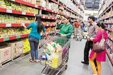 CPI-based retail inflation quickened in April to 5.39% and food prices rose by 6.23%, mainly on account of a sharp increase in the prices of pulses, sugar, meat and fish. Photo: Bloomberg