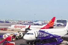 SpiceJet Ltd had announced a promotional sale under 'monsoon bonanza sale' with fares starting from Rs444 for its non-stop and via flights on its domestic routes. Photo: Ramesh Pathania/Mint
