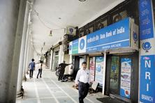 Merger of SBI with associate banks is likely to happen towards the end of this fiscal.  Photo: Pradeep Gaur/Mint