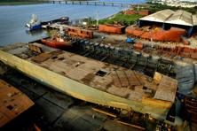 The total standalone debt of ABG Shipyard as of March 2016 was at <span class='WebRupee'>Rs.</span>8,741.59 crore. Photo: Bloomberg
