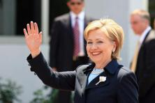 The 24-28 June poll showed that 45.3% of likely American voters support Hillary Clinton while 34.1% support Donald Trump, and another 20.5% support neither. Photo: Bloomberg