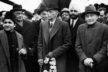Leader of the Indian Muslim League Muhammad Ali Jinnah (centre) arrives in London in 1946. Photo: Douglas Miller