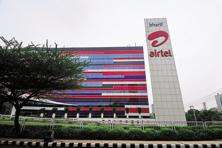 Airtel was asked to surrender 1.2 Mhz spectrum in Odisha circle for approval as it breached the spectrum cap limit (after taking into account Aircel's spectrum). Photo: Pradeep Gaur/Mint