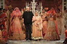 "The Last Dance of the Courtesan did not add to the ""material much-ness"" that defines Tarun Tahiliani's work."