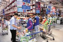India's grocery market size is estimated to be <span class='WebRupee'>Rs.</span>19.9 trillion, contributing to about 48% to India's total retail consumption.  Photo: Ramesh Pathania/Mint