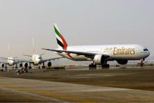 Emirates Airline flight crashed on landing in Dubai, followed by a severe fire that consumed much of the Boeing 777-300. Photo: Bloomberg