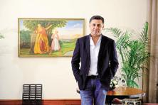Social media had a field day when Nikesh Arora quit Japanese company Softbank. Arora spent hours fielding questions from journalists, admirers and others in the wittiest way possible. Photo: Pradeep Gaur/Mint