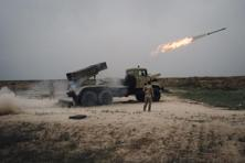 The offensive began after heavy shelling and several airstrikes 30 km (19 miles) south-east of Mosul, where some of the Peshmerga forces are deployed. Photo: AP