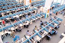 Despite tall claims of making investments in platforms and data analytics, most of the smaller IT companies are struggling to boost revenue. Photo: Hindustan Times