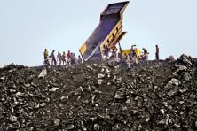 Coal India, which produced 539 million tons last year, also said that it plans to sell an additional 20 million tons of the fuel in spot auctions during the current fiscal year. Photo: Getty Images
