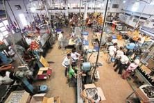 A liquor bottling plant in Maharashtra. Photo: Reuters