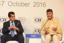 NITI Aayog CEO Amitabh Kant and Andhra Pradesh chief minister Chandrababu Naidu at the India Economic Summit. Photo: Ramesh Pathania/ Mint