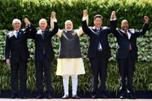 (From L-R) Brazil's President Michel Temer, Russian President Vladimir Putin, Indian PM Narendra Modi, China's President Xi Jinping and South African President Jacob Zuma at the BRICS Summit in Goa on Sunday. Photo: AFP