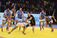 Anup Kumar (second from right) during the final against Iran in the 2016 Kabaddi World Cup held in Ahmedabad. Photo: PTI