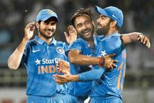Amit Mishra (centre) took five wickets in the final ODI at Vizag. Photo: HindustanTimes