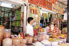 The inability of kirana shops to sell to customers because of the lack of small notes is rippling upwards through the supply chain. Photo: Mint
