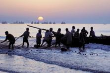 The proposal by Sri Lanka comes just weeks after ministerial-level talks between India and Sri Lanka when both governments agreed to the request by the fishermen's associations that there would be no violence and no loss of life in the handling of fishermen by the navies and coast guards of the two countries. Photo: AFP