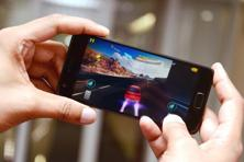 A racing game on smartphone is comfortable to play as it is on a PC or console.
