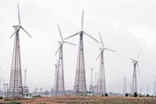 India plans to achieve 175GW of renewable energy capacity by 2022 as part of its climate commitments. Photo: Bloomberg