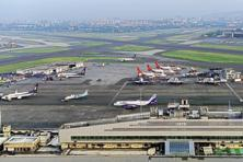 Traffic is expected to rise 17% to 261 million passengers in the year ending 31 March, AAI said. Photo: Abhijit Bhatlekar/Mint
