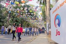 Reliance Jio plans to raise Rs30,000 crore from a rights offer. Photo: Mint