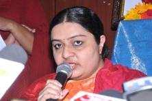 Deepa Jayakumar addressing the a press conference at her residence in Chennai on Tuesday. Photo: SaiSen/ Mint