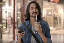 A still from Tapzo's ad campaign featuring YouTube star Bhuvan Bam.